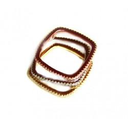 Sortija de plata compuesta por tres anillos cuadrados con acabado oro, plata y bronce con circonitas - 13826-R