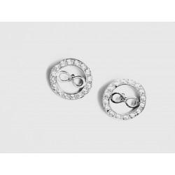 Pendientes en plata con el símbolo del infinito.