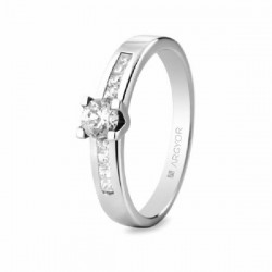 Solitario de oro blanco con diamante - 74B0045/0.3CT